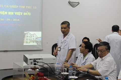 PGS Nguyễn Hữu Ước trình bày về ca ghép tim xuyên Việt.