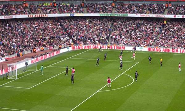 HAGL đi tiên phong trong quảng cáo thương hiệu tại các trận đấu Premier League