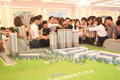Chưa đến ngày chính thức giới thiệu ra thị trường nhưng thời gian qua tòa tháp đôi HH3 FLC Garden City đã thu hút được sự quan tâm của khách hàng