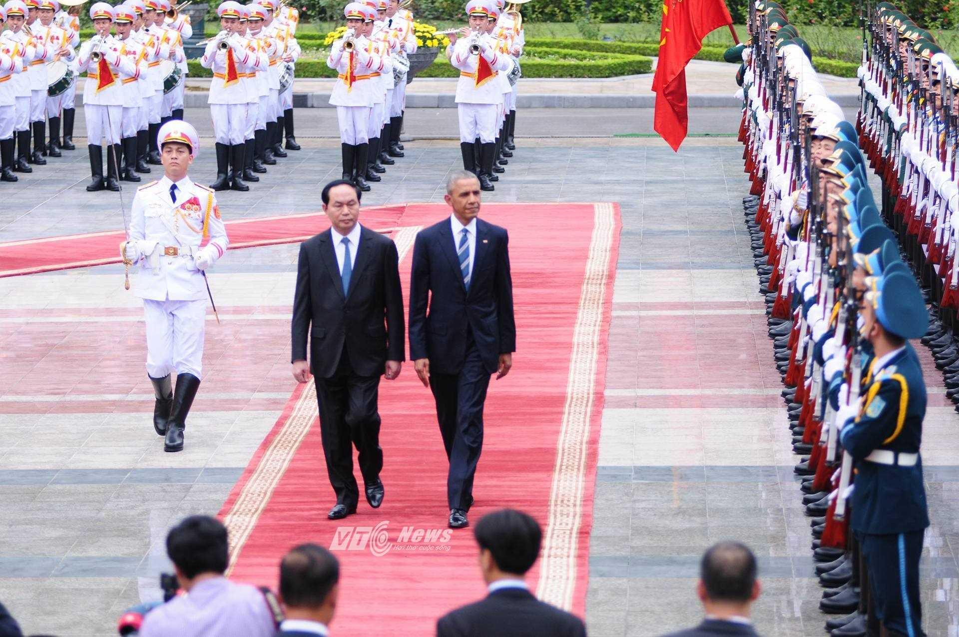 Chủ tịch Trần Đại Quang chủ trì nghi thức đón tiếp chính thức đối với vị tổng thống Mỹ (Ảnh: Tùng Đinh)