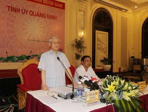 Tổng Bí thư Nguyễn Phú Trọng phát biểu tại buổi làm việc với Ban Thường vụ và cán bộ chủ chốt tỉnh Quảng Ninh.