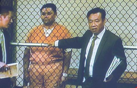 ình ảnh Minh Béo trong phiên luận tội diễn ra 15.4 vừa qua.