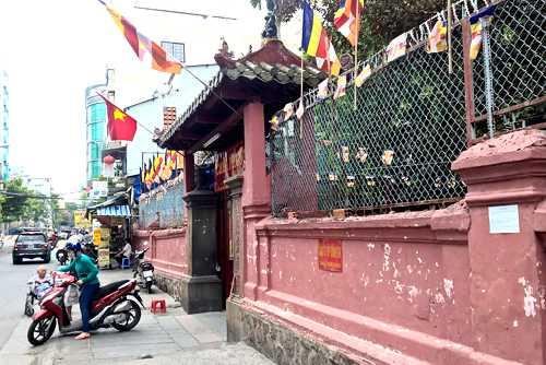 Chùa Ngọc Hoàng nằm trên đường Mai Thị Lựu, Quận 1 - Ảnh: VnExpress