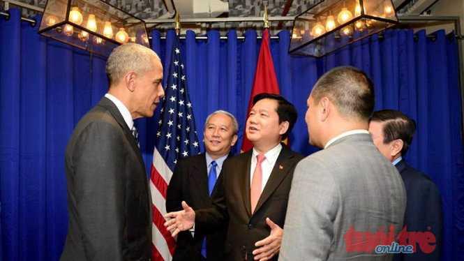 Tổng thống Obama và bí thư Thành ủy TP.HCM tại cuộc gặp gỡ với cộng đồng doanh nghiệp Việt Nam - Ảnh: Thuận Thắng