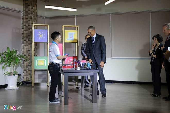 17h15, Tổng thống Mỹ Obama đã đến Dreamplex để gặp giới doanh nghiệp trẻ. Ảnh: Quốc Huy/Zing