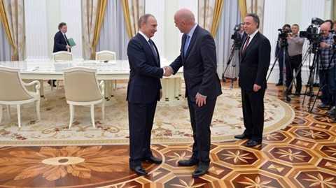 Chủ tịch Infantino gặp Tổng thống Putin
