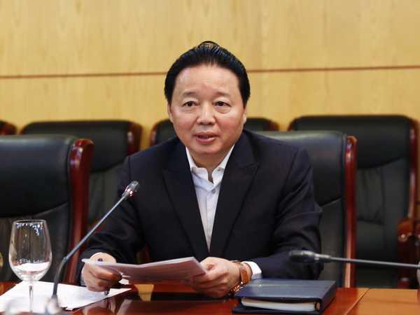 Bộ trưởng Bộ Tài nguyên - Môi trường Trần Hồng Hà chủ trì cuộc họp.