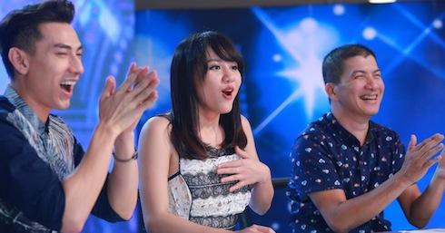 Nhạc sỹ Hoài An cùng Isaac và Văn Mai Hương trên ghế giám khảo.