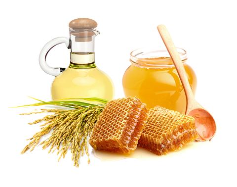 Hiện nay, mật ong lên men và dầu cám gạo đã được công ty DP Hoa Thiên Phú bào chế thành dạng kem dưỡng trắng da giúp phái đẹp luôn có làn da trắng sáng, mịn màng.