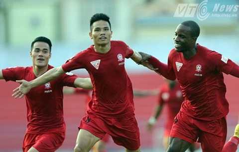 Hải Phòng đang dẫn đầu V-League dù không có nhiều tiền (Ảnh: Quang Minh)