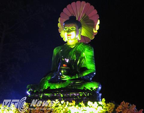 Tôn tượng Phật Ngọc Hòa bình Thế giới được cung nghinh lần duy nhất tại Hải Phòng và lần cuối cùng trước khi trở về an vị vĩnh viễn tại Úc