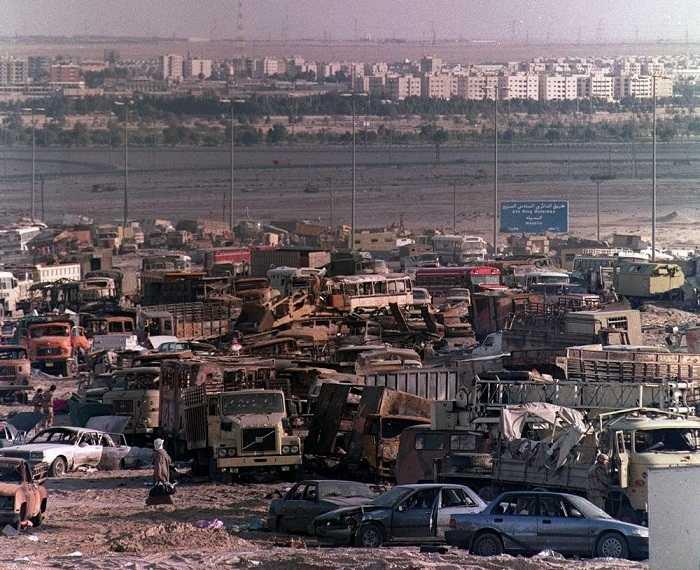 """""""Các binh sỹ Iraq rút khỏi Kuwait không phải do quân đội của chính quyền Bush đánh lui (nghĩa là không phải rút quân trong lúc chiến đấu). Họ cũng không rút quân để rồi lại tập hợp và tái tham chiến. Thực tế là họ đang rút lui, họ sẽ trở về nhà"""", Joyce Chediac."""