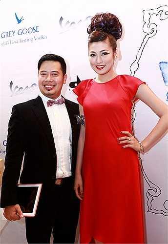 Á hậu Dương Tú Anh và ông Nguyễn Anh Tú, tổng giám đốc Davines Việt Nam