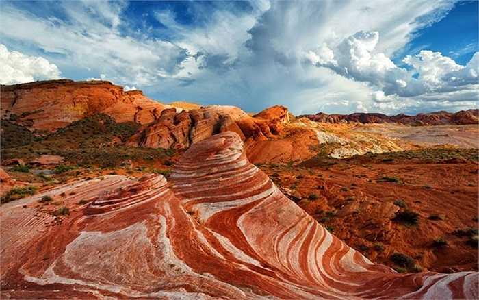 Đồi cát Fire Wave trong thung lũng ở tiểu bang Nevada, Mỹ