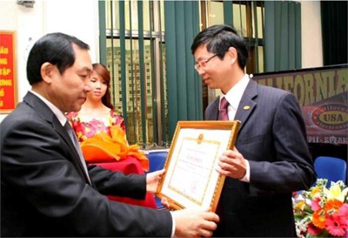 Dương Chí Dũng dự Hội nghị người Lao động VISHIPEL ngày 16/3/2012.