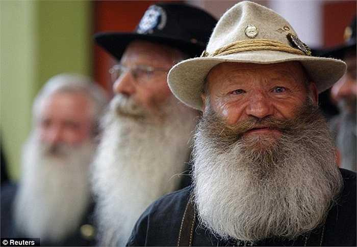 Những bộ râu bạc cực kỳ ấn tượng