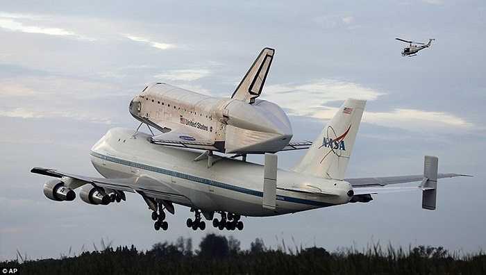 Tàu con thoi Endeavour, Discovery và Atlantis là 3 con tàu được NASA tuyên bố cho 'nghỉ hưu' từ năm 2011