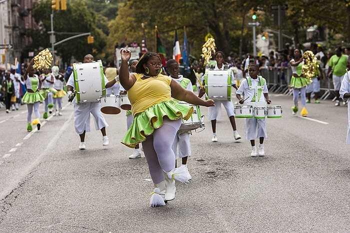 Tưng bừng ngày hội dành cho những người Mỹ gốc Phi được tổ chức thường niên ở thị trấn Harlem, New York, Mỹ