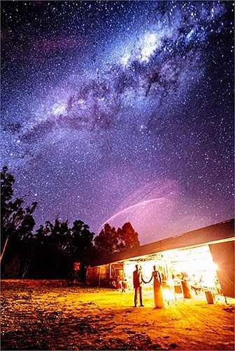 Bầu trời đầy sao tuyệt đẹp trong đám cưới của một đôi vợ chồng ở Australia
