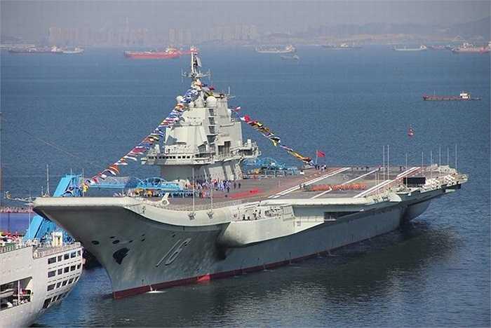 Tàu sân bay Liêu Ninh chính thức gia nhập hải quân Trung Quốc, hãng tin Tân Hoa Xã cho biết
