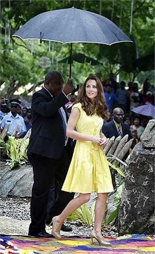 Công nương Kate trong chuyến thăm cùng chồng là Hoàng tử William đến đảo Solomon