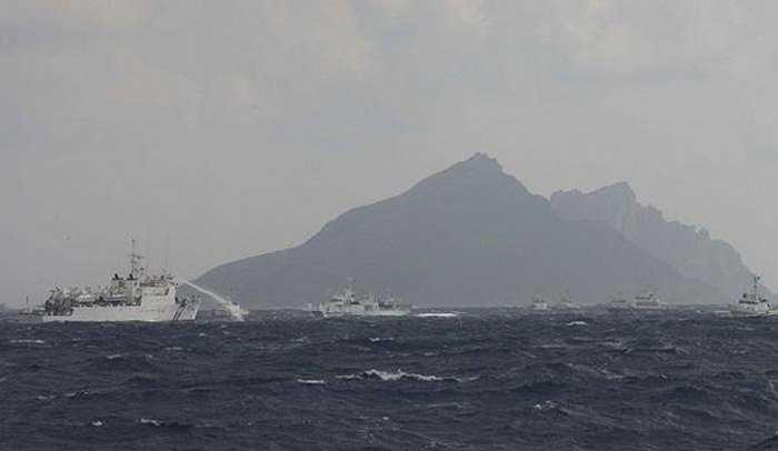 Tàu tuần duyên Nhật và tàu Đài Loan (Trung Quốc) đấu 'vòi rồng' ở đảo tranh chấp sáng 25/9