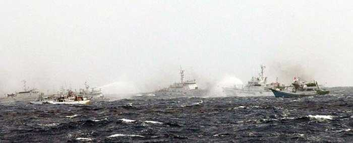Cuộc đấu 'vòi rồng' kết thúc khi tàu Đài Loan rời khỏi vùng nước tranh chấp