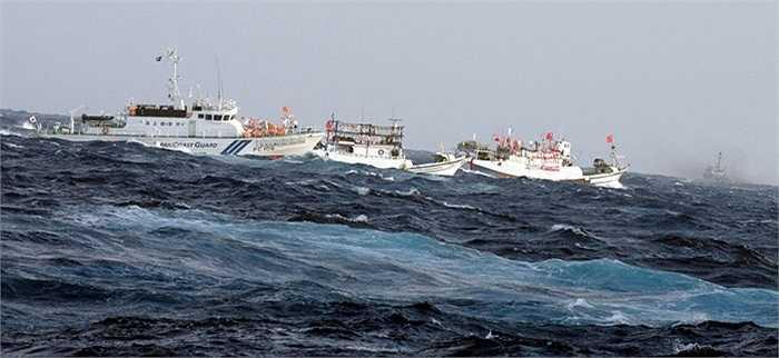 Hàng chục tàu cá Đài Loan (Trung Quốc) kéo ra Điếu Ngư/Senkaku sáng sớm 25/9