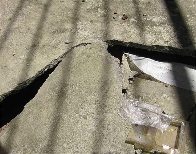 Tuy nhiên, nhiều căn biệt thự tai đây đã bắt đầu xuất hiện các vết nứt và bị sụt lún nghiêm trọng