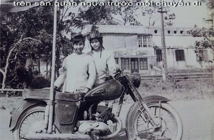 Từ những năm 60, thành viên CLB mô tô Hà Nội không chỉ có nam giới...