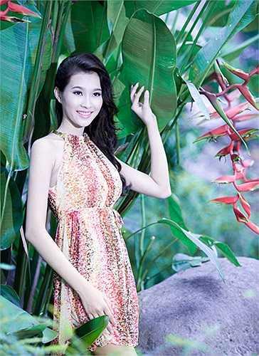 Tối 25/8, Đặng Thu Thảo, cô gái 21 tuổi đến từ Bạc Liêu, vượt qua 38 nhan sắc trên cả nước đoạt danh hiệu Hoa hậu Viêt Nam, tổ chức tại Đà Nẵng.