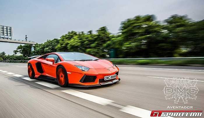 """Không chỉ thay đổi ngoại thất theo phong cách """"ngầu hơn"""" ,Lamborghini Aventador LP900 Molto Veloce còn được nâng cấp động cơ lên tới 900 mã lực."""