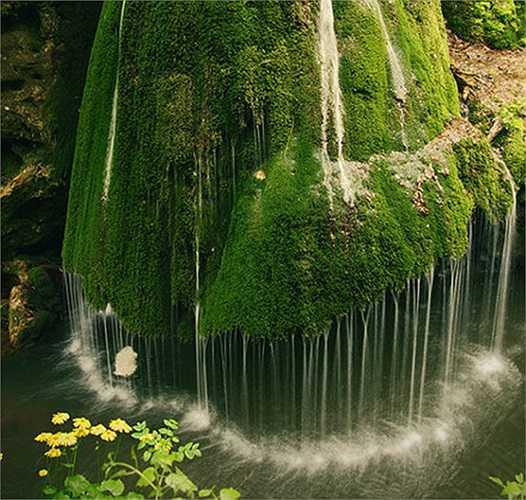 Thác nước tuyệt đẹp ở Romania