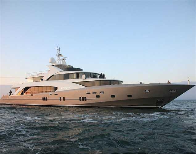 La Pellegrina, dài gần 50m, lần đầu tiên góp mặt tại Lễ hội du thuyền Monaco được tổ chức thường niên nhưng đã kịp gây ấn tượng với lớp thân được làm từ chất liệu composite và sợi Kevlar độ bền cực cao. (Ảnh: Monaco Yacht Show)