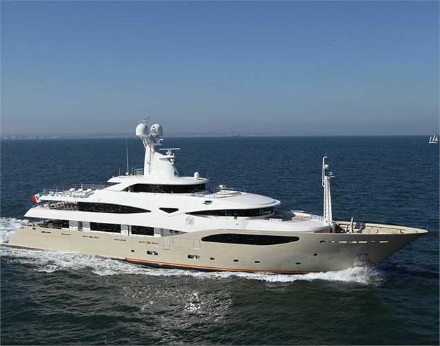 Với 15 buồng, đủ sức chứa 12 khách, Darling Danama có chiều dài gần 60m và đạt vận tốc cao nhất là 15 hải lý/giờ.(Ảnh: Monaco Yacht Show)