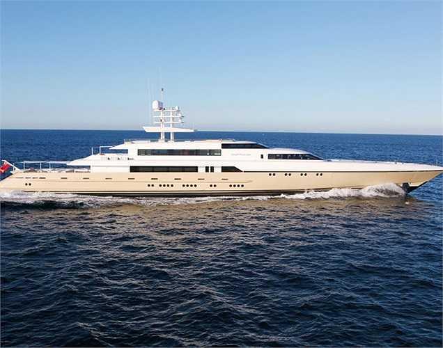 Còn chiếc du thuyền mang tên Smeralda này có thể đạt vận tốc 29 hải lý/giờ với tầm hoạt động 4.500 hải lý.(Ảnh: Monaco Yacht Show)