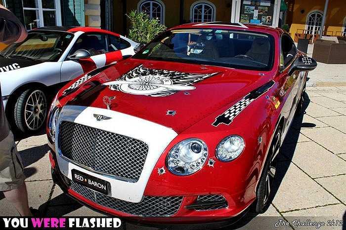 Siêu xe Bentley cũng có bộ cánh 'chói mắt'