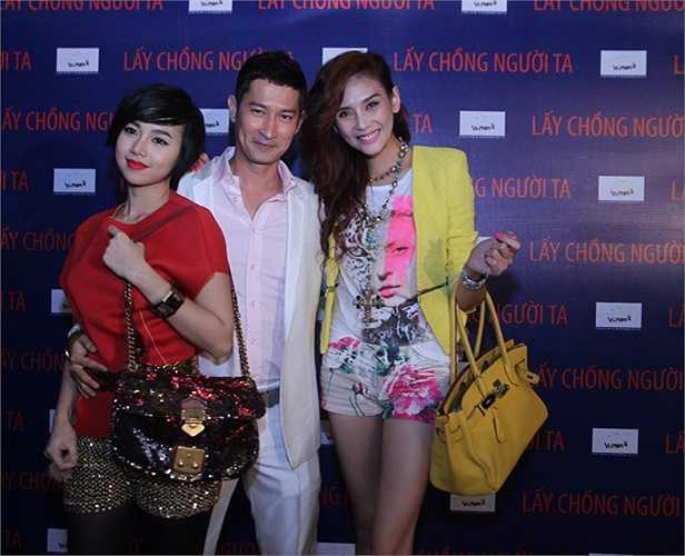 2 người đẹp Đinh Ngọc Diệp, Hoàng Yến vui vẻ cùng Huy Khánh