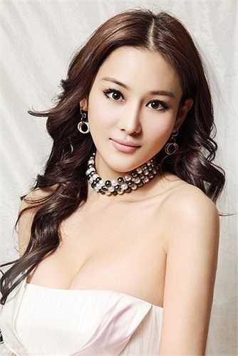Hiện Trương Hinh Dư đang hẹn hò với diễn viên Đường Sơn đại địa chấn Lý Thần.