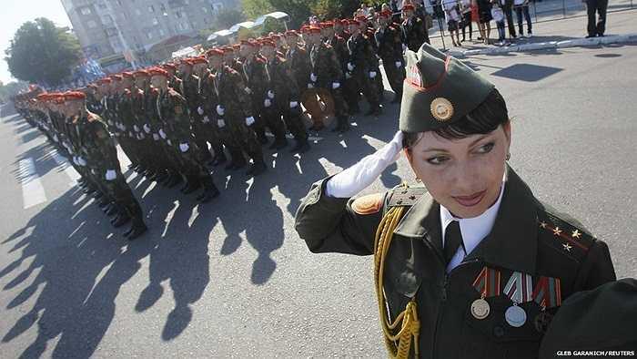 Lễ duyệt binh của các binh sĩ Moldova chuẩn bị cho ngày Quốc khánh