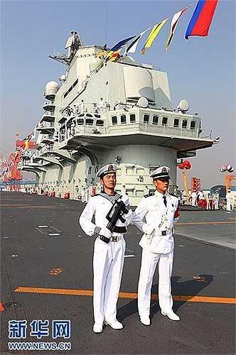 Tàu sân bay đầu tiên Liêu Ninh đã trải qua 10 lần chạy thử trên biển kể từ tháng 8/2011
