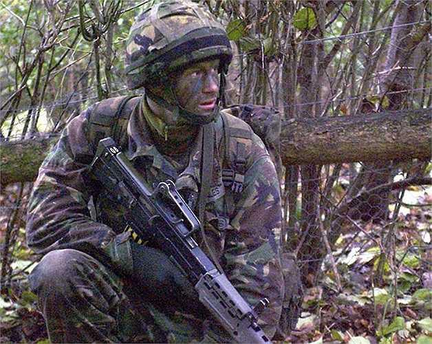 Hình ảnh Hoàng tử Harry trong một buổi luyện tập tại Học viện quân sự Sandhurst
