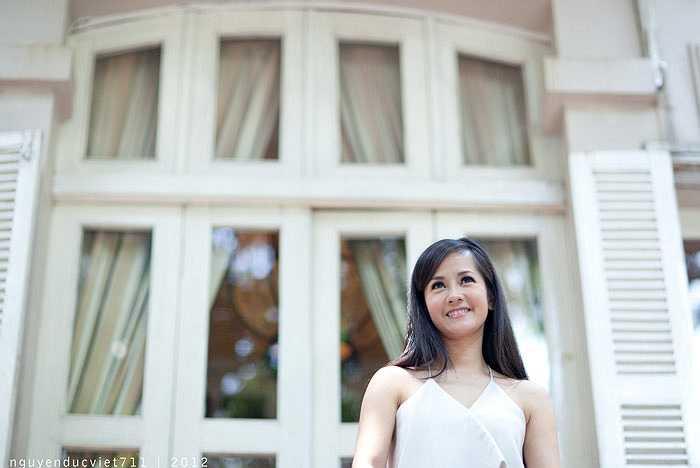 """""""Có phải em mùa thu Hà Nội"""" lần này cũng sẽ là một câu chuyện được viết bằng âm nhạc, khắc họa con đường hoạt động nghệ thuật của ca sỹ Hồng Nhung."""