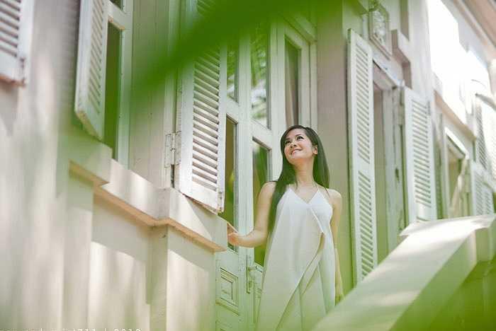"""Sau gần 13 năm kể từ live show xuyên Việt """"Hồng Nhung - Bài hát ru 99"""", lần này Hồng Nhung mới có dịp thực hiện một chương trình live show của riêng mình tại Hà Nội với tất cả cảm xúc mới mẻ, tràn đầy năng lượng."""