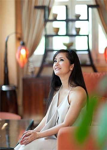 Hồng Nhung hi vọng chương trình live show sắp tới sẽ là một đêm nhạc ngập tràn cảm xúc, là một món quà thể hiện tình cảm của một người con Hà Nội muốn gửi tặng cho những người thân yêu.