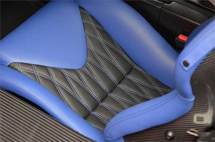 Ghế được thiết kế bắt mắt và êm ái
