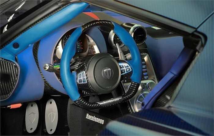 Và chiếc xe cũng là đại diện cho đỉnh cao trong chương trình tùy biến sản phẩm của Koenigsegg, và nó cho thấy mỗi chiếc Koenigsegg đều có thể trở nên khác biệt.