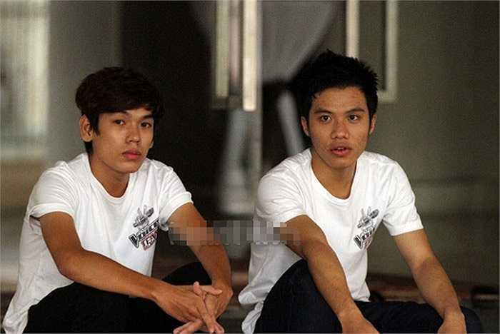 Hữu Thuận (trái)