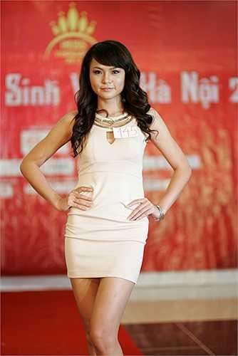 Nhiều nữ sinh thể hiện gu thời trang rất hiện đại trong phần thi Bản lĩnh tự tin