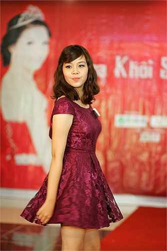 Chọn những kiểu váy nhẹ nhàng nhưng thí sinh Imiss Thăng Long luôn thu hút mọi ánh nhìn
